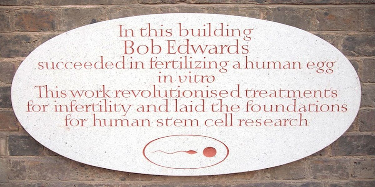 Plaque commemorating the work of Bob Edwards in IVF