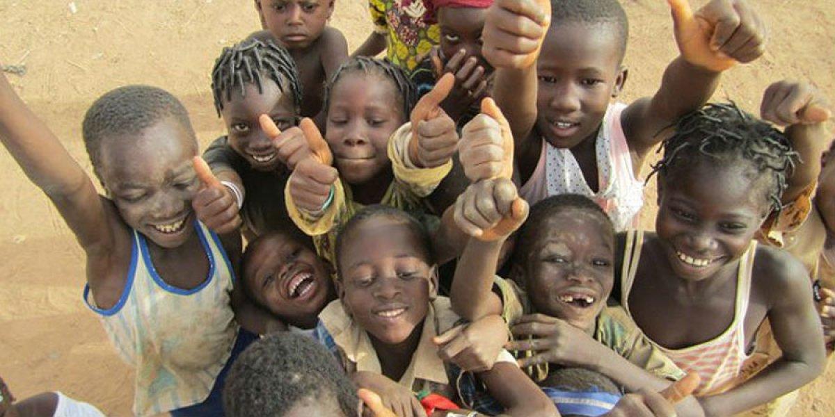 Fieldwork photograph of children in Africa by Tammy Chen