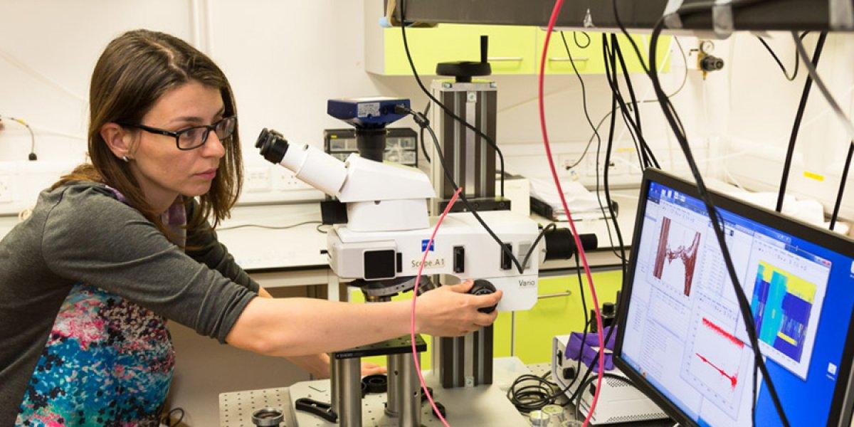 Silvia Vignolini in the lab